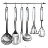 Большой выбор кухонных принадлежностей